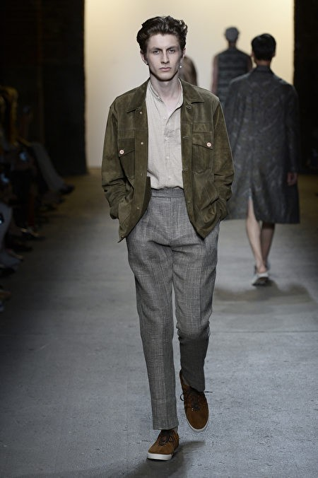 Неделя моды весна/лето в Нью-Йорке посвящена американскому бренду «прочной роскоши» Billy Reid. (Michael Ng/Getty Images)
