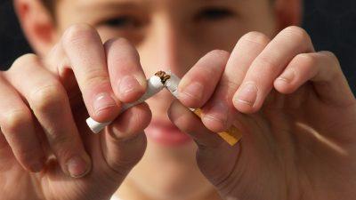 Россия стала примером в борьбе с курением и алкоголем