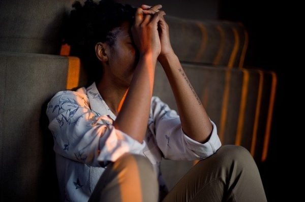Депрессия (большое депрессивное расстройство) — это распространённое и серьёзное медицинское заболевание, которое негативно влияет на ваше самочувствие, образ мыслей и поведение. (1492052 via Pixabay)