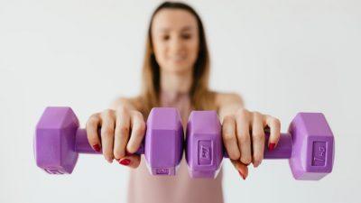 Как быстрее похудеть: сесть на диету или начать тренироваться?