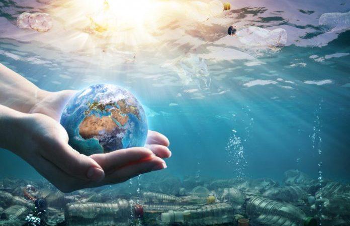 По данным исследователей, ежегодно в океаны попадает более 4,8 млн тонн пластиковых отходов. (Изображение: Romolo Tavani via Dreamstime)    Epoch Times Россия