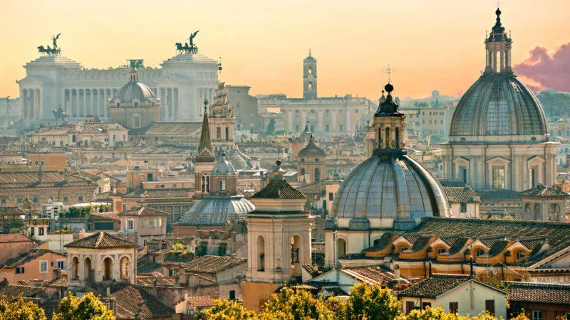 Вид на Рим из замка Сант-Анджело, Италия. (Von Luciano Mortula — LGM/Shutterstock)  | Epoch Times Россия