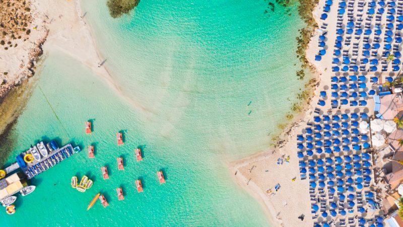 Пляж Нисси в Айя-Напе, Кипр. (Fluieras Ana-Cristina/Shutterstock)  | Epoch Times Россия