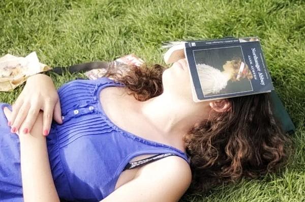 Если вы ночью спите достаточно, но всё равно чувствуете регулярную усталость, вам следует обратить внимание на своё питание. (Timothy Krause via Flickr)