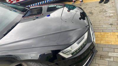 На Украине обстреляли машину помощника президента