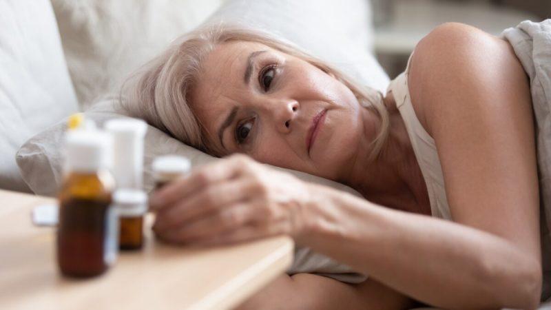 Побочный эффект обычно лёгкий и не является неожиданным, например, расстройство желудка. Побочная реакция является неожиданной и значительной, например, почечная недостаточность. (физкес / Shutterstock)  | Epoch Times Россия