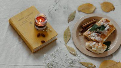 Осенний яблочный пирог для уютного чаепития