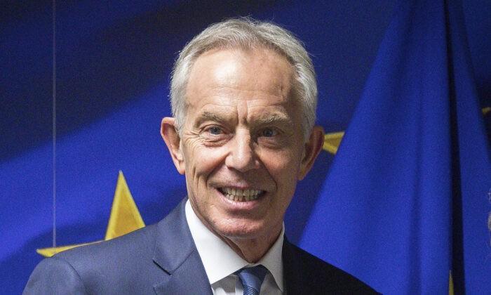 Бывший премьер-министр Великобритании Тони Блэр перед встречей в здании Карла Великого в Брюсселе 6 ноября 2019 г. Stephanie Lecocq/Pool via AP   Epoch Times Россия