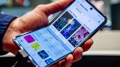Как выбрать мобильный телефон, который станет универсальным помощником?