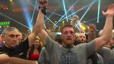 Минеев победил Исмаилова в главном бою российских MMA