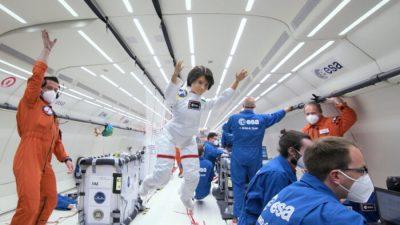Кукла-космонавт Барби испытала невесомость в полёте