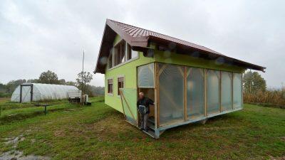 Босниец сконструировал вращающийся дом для разборчивой жены