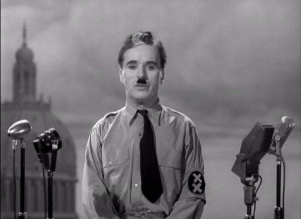 Фильм «Великий диктатор» 1940 года стал самым коммерчески успешным фильмом Чаплина. (Image: Trailer screenshot from 'The Great Dictator' via Wikimedia Commons)