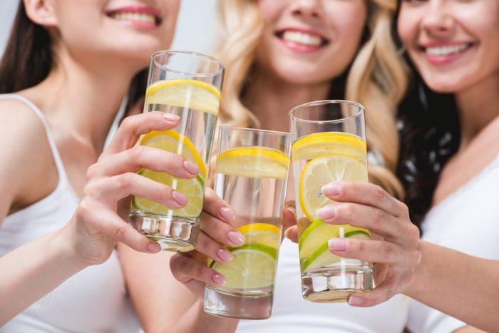 Пейте воду с лимоном и мёдом: 8 преимуществ