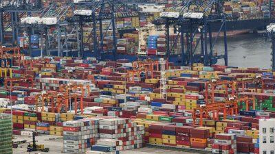 Китай стал причиной перегруженности международных морских маршрутов