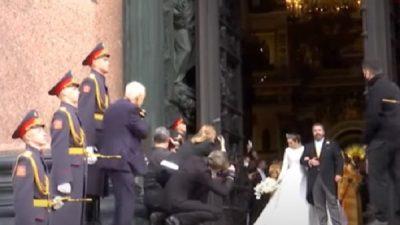 За почётный караул на венчании потомка Романовых наказали военных