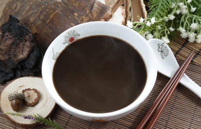 Проведите детоксикацию с помощью супа из чёрной фасоли и лакрицы, прежде чем приступать к другим методам лечения. (Изображение: Jamesbox via Dreamstime) | Epoch Times Россия
