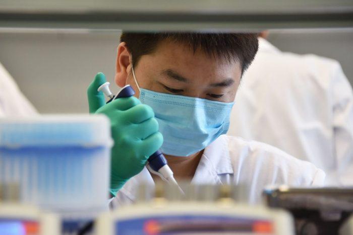 Учёные и правозащитники призывают запретить массовое генетическое тестирование в Китае