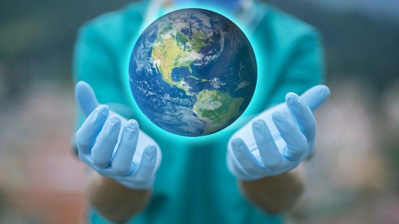 Заболеваемость COVID-19 в мире снижается с августа 2021 года по данным ВОЗ. pixabay.com/ fernandozhiminaicela/СС0   Epoch Times Россия