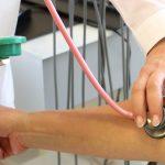 Кардиолог Ардашев назвал симптомы, с которыми нужно срочно обратиться к врачу