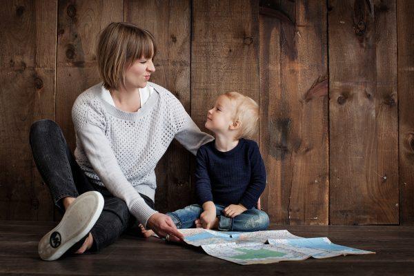 Надо хвалить детей больше, чем ругать, это поможет укрепить у них уверенность в себе. Фото: 3643825/PublicDomain/CC0 1.0