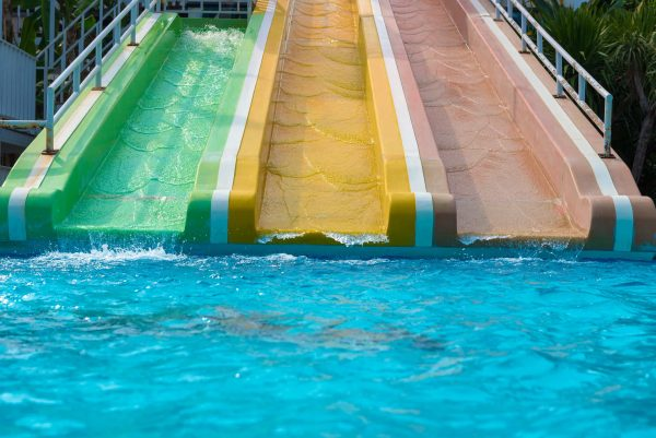 CDC настоятельно рекомендует пловцам перед бассейном принимать душ. (Изображение: Casanowe via Dreamtime)