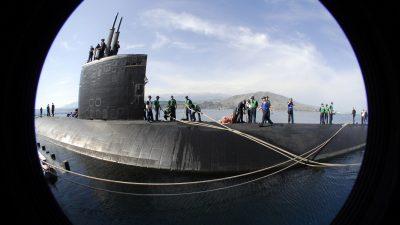 Атомная подлодка США повреждена при столкновении с неизвестным объектом