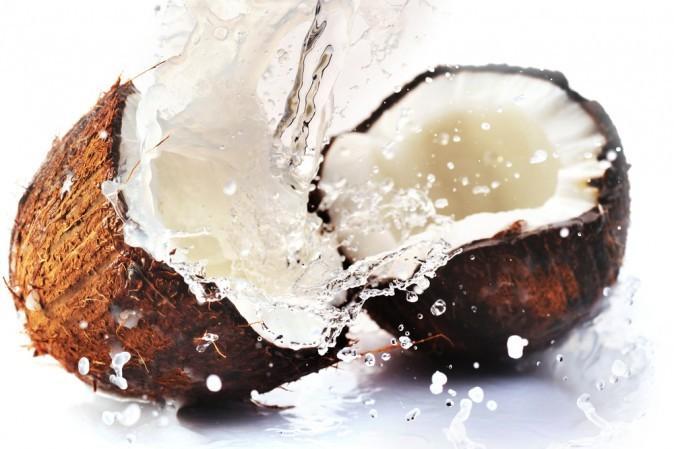 (Изображение кокоса via Shutterstock) | Epoch Times Россия