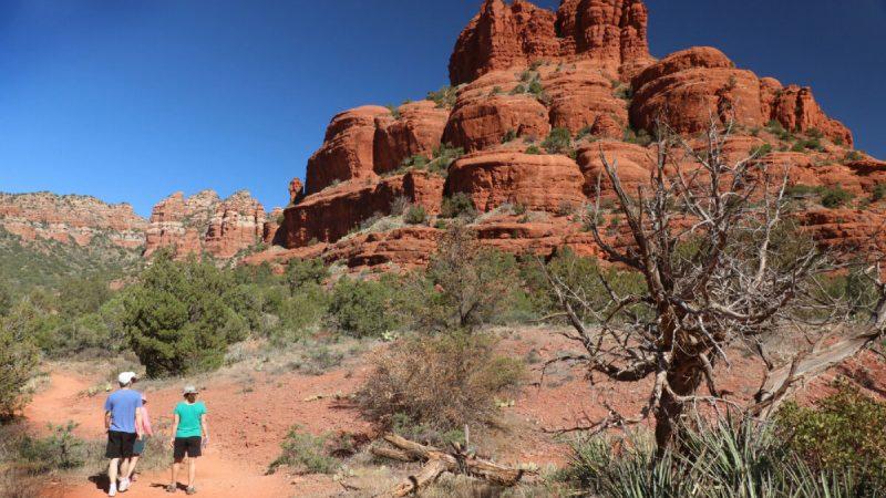 Обязательно отправьтесь в поход вокругБелл-Роки его энергетического водоворота вСедоне, штат Аризона. Фото: Doug Hansen | Epoch Times Россия