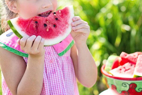 Чтобы получить пользу для здоровья, сокращайте рацион до 70% от вашего обычного суточного потребления еды. (Изображение: JillWellingtonviaPixabay)
