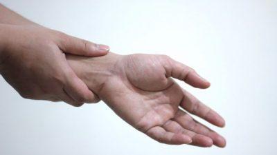 Массирование точки Нэй-гуань поможет вылечить ваше тело
