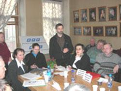 2006 01 20 stol 15 - Круглый стол в Институте  Региональной  Прессы г. Санкт-Петрбурга «Преступления коммунистических тоталитарных режимов.»