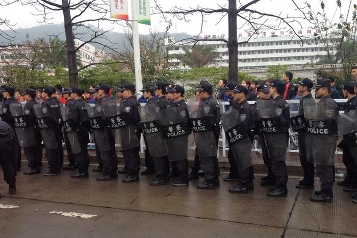 В китайском Шэньчжэне бастуют тысячи рабочих