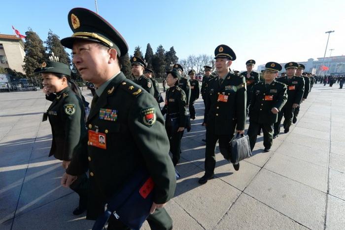 Лидер компартии Китая усиливает контроль над армией