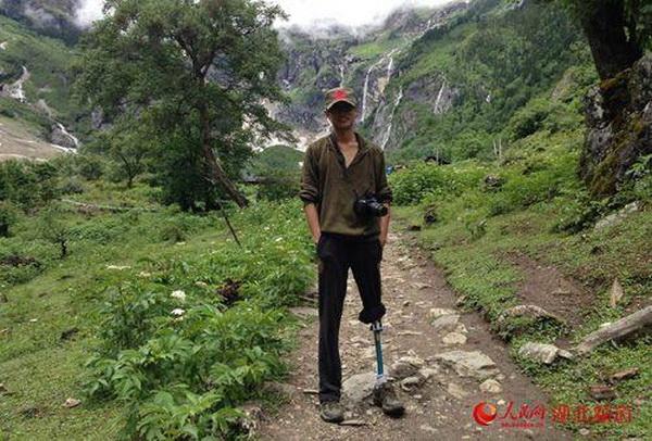 У китайца-инвалида украли костыли и велосипед