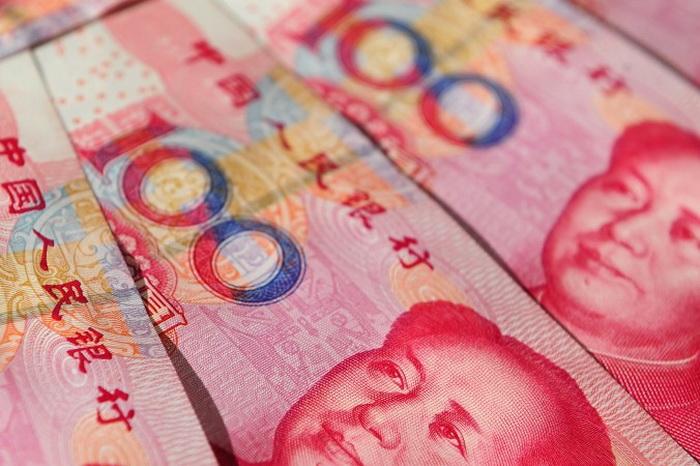 Китайский мальчик взял 20 000 юаней в детский сад, чтобы играть в покер
