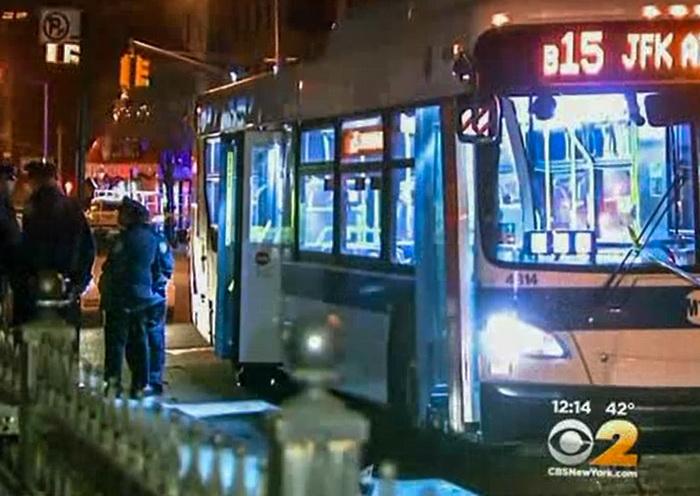 В Бруклине подросток застрелил мужчину в автобусе