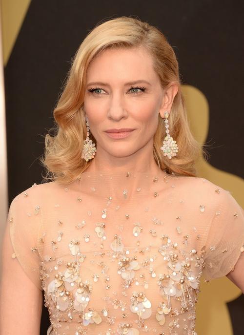 Классические причёски и акцент на глаза: стиль кинозвёзд на церемонии вручения «Оскара-2014»