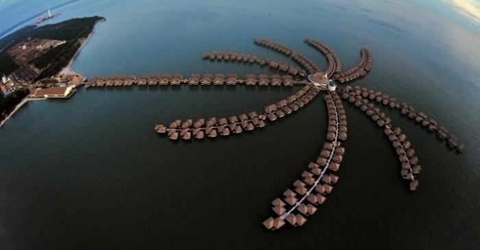 В Малайзии открыт отель на воде