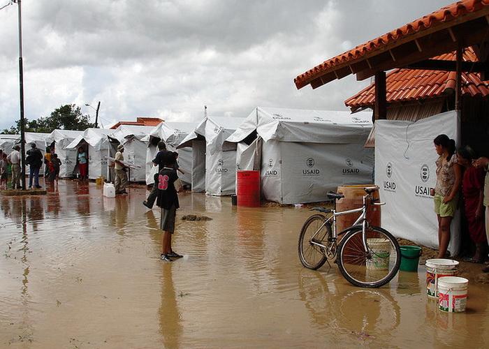 Пострадавшие от наводнения в Боливии получили гуманитарную помощь