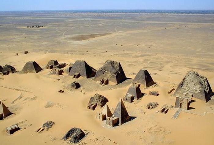 7 пирамид, расположенных не в Египте