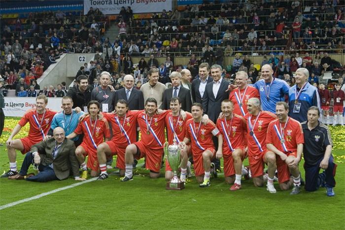 Российская сборная по футболу стала первой в «Кубке легенд»