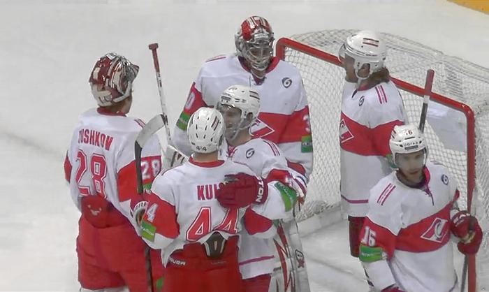 «Спартак» в турнире КХЛ победил после 19 поражений
