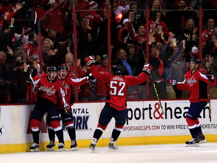 Кузнецов забил первый гол в составе команды НХЛ