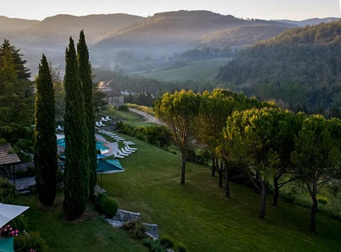 Очаровательный замок отдыха в Тоскане