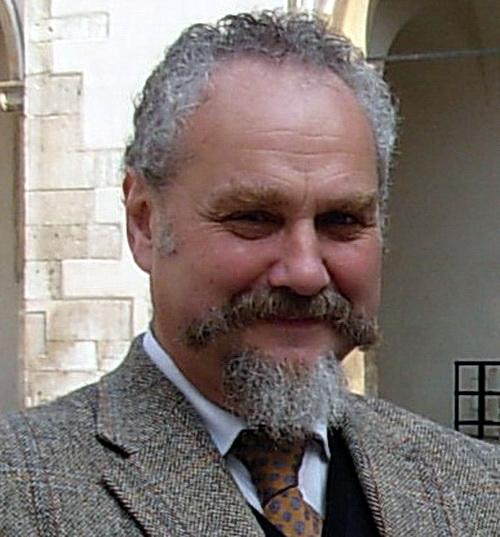 Профессор МГИМО Зубов уволен за статью, критикующую ввод войск в Крым