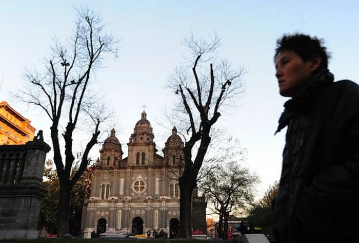 Китайский епископ умер под домашним арестом в Шанхае