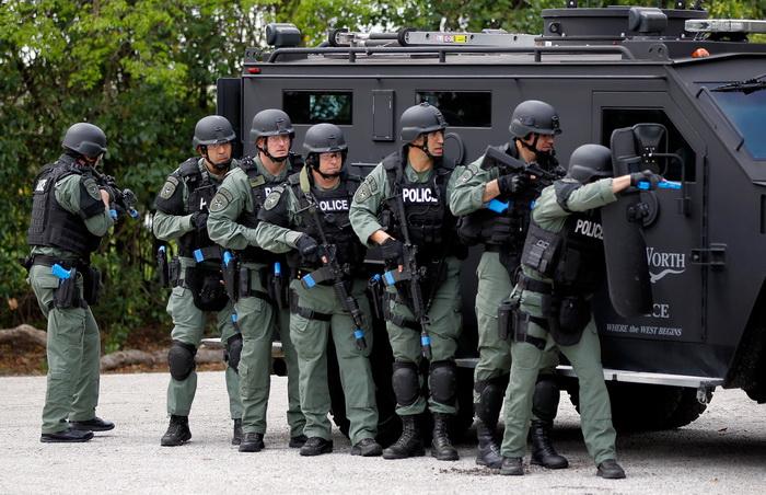 Техасская полиция освободила более ста пленённых иммигрантов. Фото: Tom Pennington/Getty Images for Texas Motor Speedway