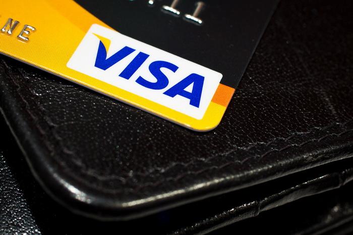 Санкции США в отношении российских банков ударили по бизнесменам и туристам, отправившимся в Европу