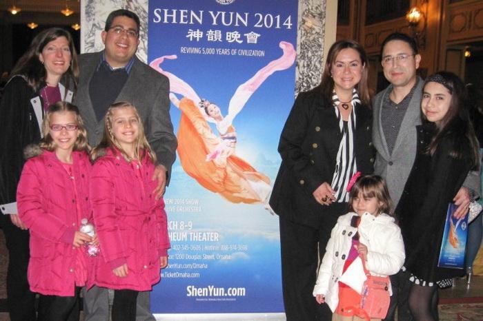 Shen Yun вызвал у американских врачей восхищение